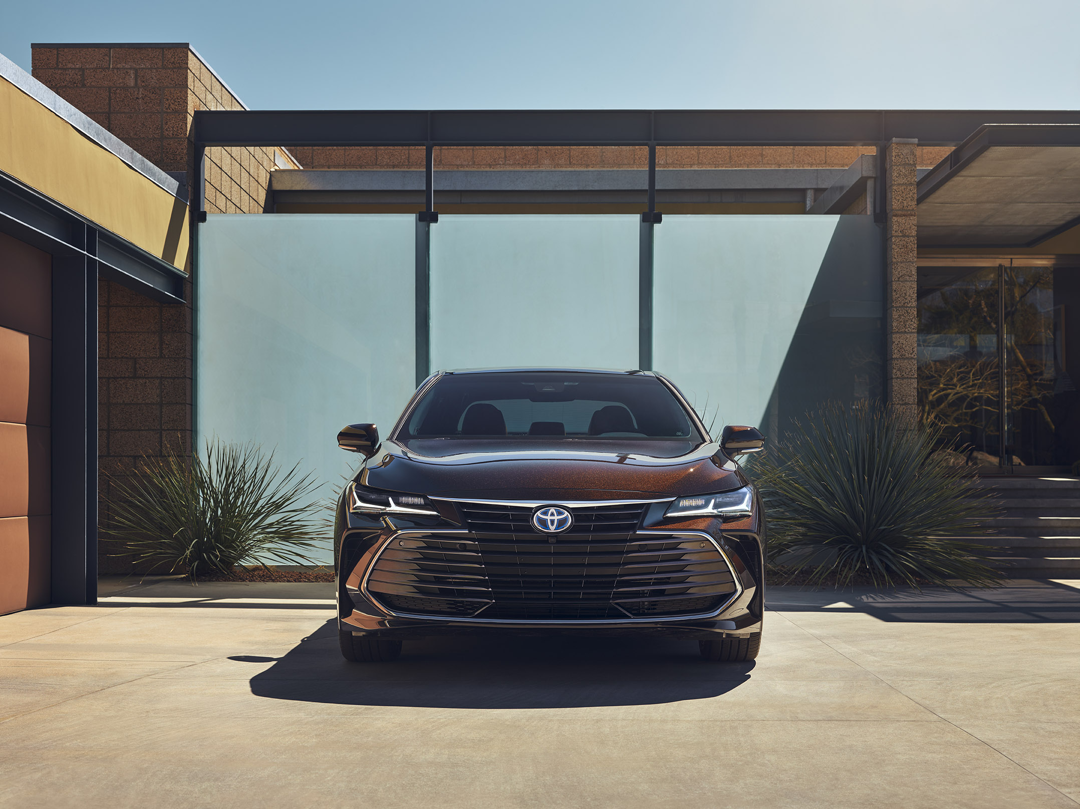 18-012_Toyota_Avalon_SHOT_31_COMP05_AND